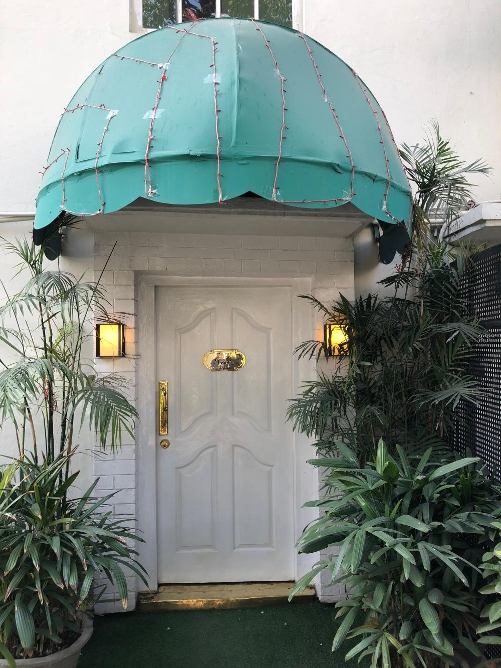 02 Main Door